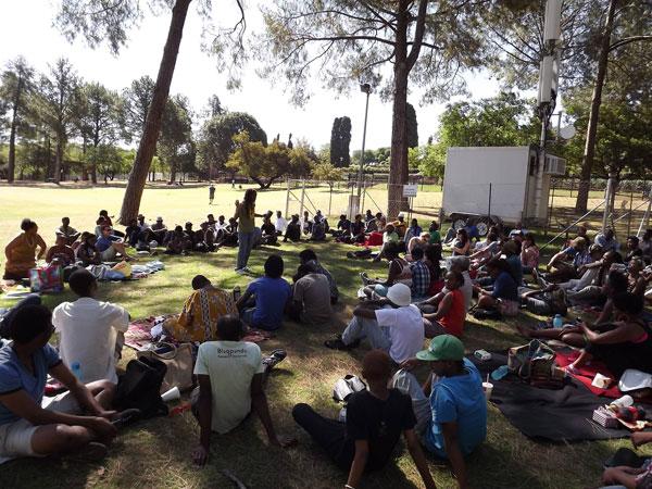 No-camp-chair-poetry-picnics