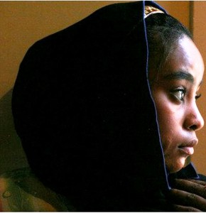 AN-AFRICAN-IRAQI-WOMAN-IN-SOUTHERN-IRAQ-290x300