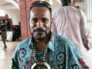 WEST-PAPUAN-LEADER-CHIEF-BENNY-WENDA-300x225