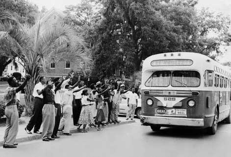 African-American-Students-of-Florida-AM-College-Boycotting-the-Buses