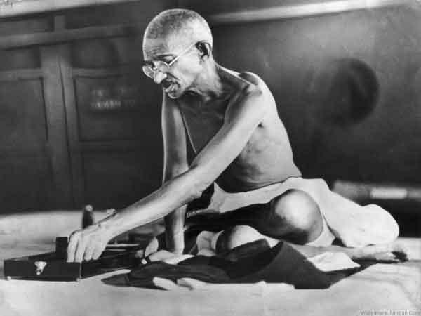 Gandhi-spinning