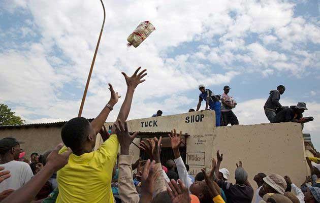 soweto+looting