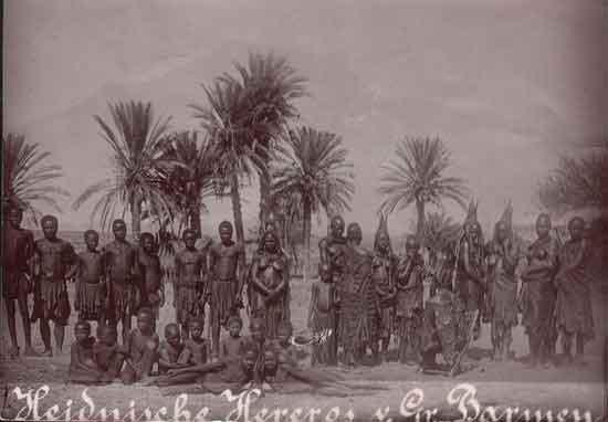 Herero - Near old German mission cemetery in Okahandja - Otjozondjupa Region - 1900